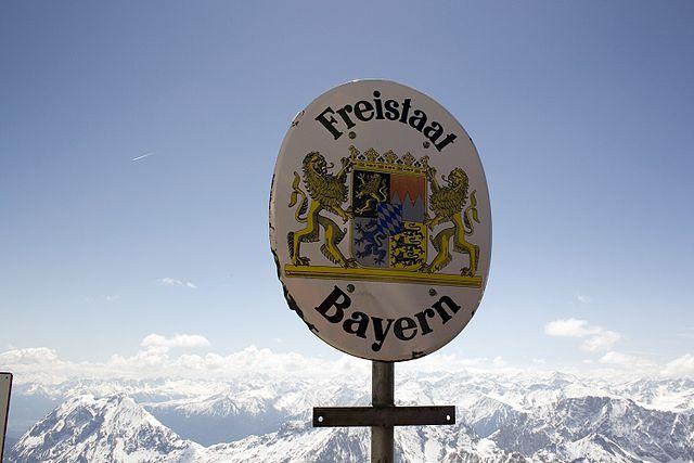 Freistaat_Bayern,_Zugspitze_(10560401055)